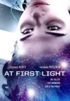 At First Light online, pelicula At First Light